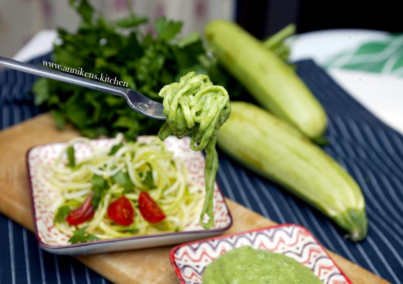 zucchini-avocado-pasta