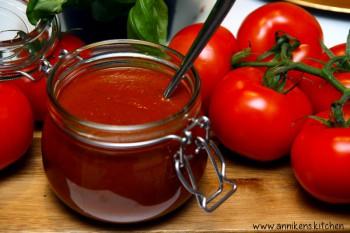 Hjemmelaget ketchup med kick!
