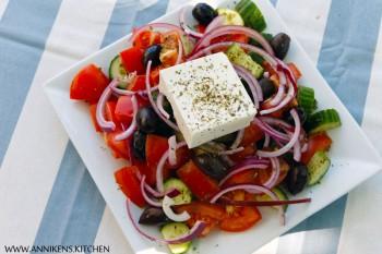 Bakte limabønner og klassisk gresk salat