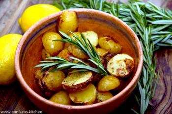 Sitronpoteter med rosmarin
